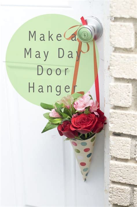 day flower door hanger     neat