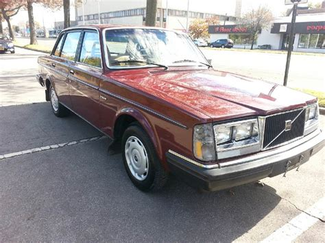 volvo  dl beautiful car     sale