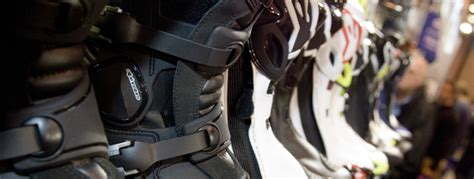 best motorcycle track boots buying the best motorbike boots the bike insurer