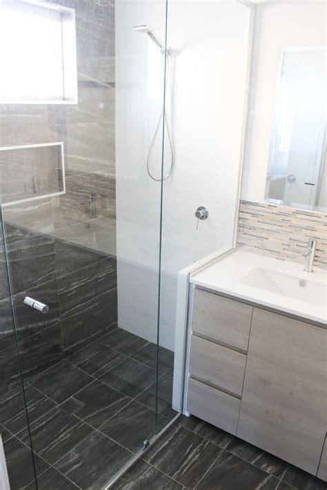 wall  wall shower screen semi frameless shower screen