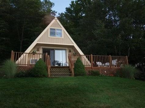 cabin rentals in ohio lakefront a frame cottage tappan lake ohio usa