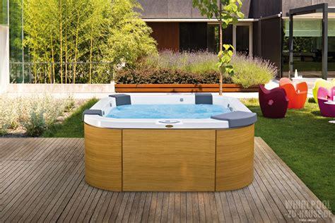 Günstiger Whirlpool Garten by Im Garten Wohndesign Interieurideen Bestcatabs