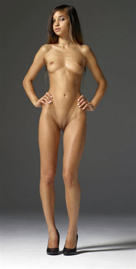 Sexy Nude Girls 7 Pic Of 23