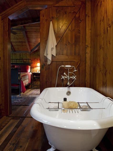 rustic bathtub 39 cool rustic bathroom designs digsdigs