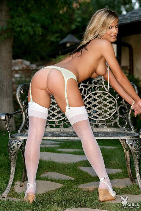 Ashlyn Letizzia Posing In Lightgreen Lingerie And White