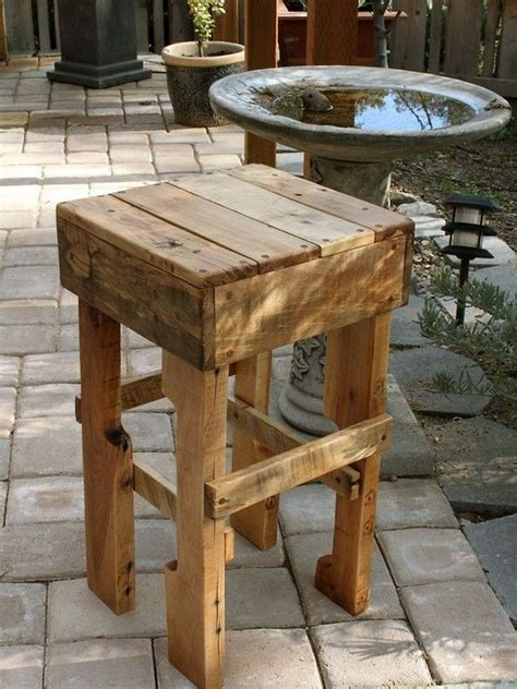 Ideas Using Pallets by 20 Projects You Can Create Using Pallets