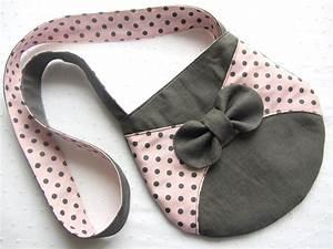 Sac a main fillette lin gris et imprime fond rose pois for Tapis enfant avec coudre un canapé en cuir