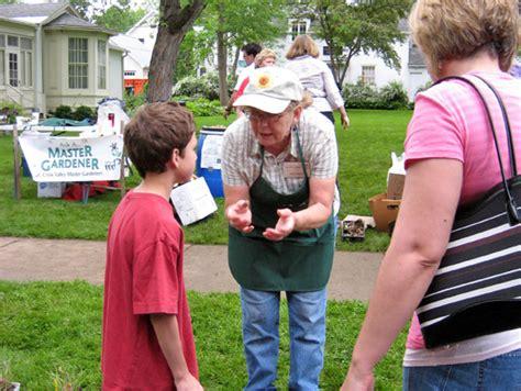 master gardener program the master gardener program in st croix county master