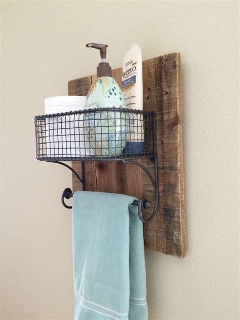 best 25 pallet towel rack ideas on towel