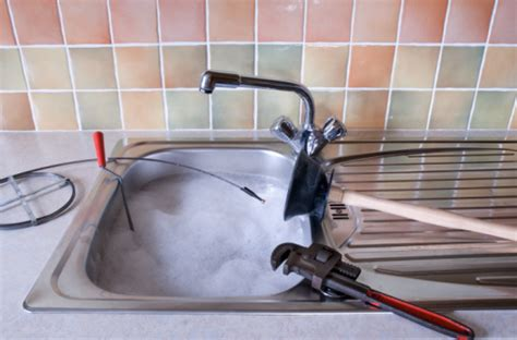 canalisation cuisine bouch馥 beaufiful comment déboucher un évier de cuisine photos gt gt comment deboucher un evier taches domestiques quotidien 11 techniques utiles pour un