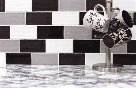 credence cuisine noir et blanc vous cherchez des idées pour un carrelage noir et blanc