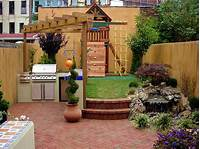 small yard design 15 Unique Garden Water Features | Landscaping Ideas and ...