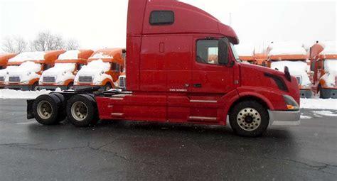 volvo semi truck for sale by 2013 volvo vnl64t670 sleeper semi truck for sale 395 452