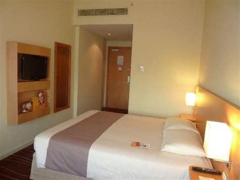 chambre d hotel dubai chambre vue 2 picture of ibis deira city centre dubai