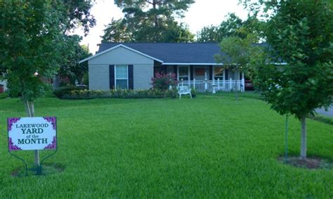 august 2016 lakewood yard of the month 171 lakewood civic