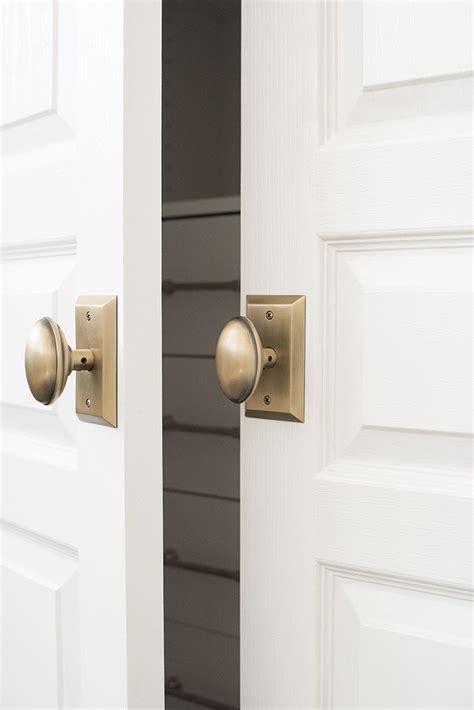 Customized Closet Doors by Best 25 Closet Doors Ideas On Bedroom