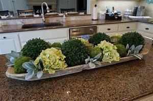 The most beautiful kitchen island flower arrangement ideas for Kitchen decorating ideas for the kitchen island