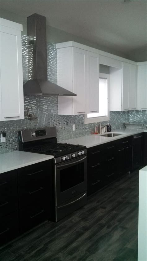 Wolf Classic Cabinets Dartmouth by 17 Best Images About Two Tone Shaker Kitchen Cabinets On