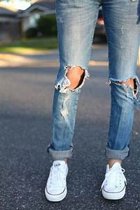 This is always super cute ripped jeans and converse | casual outfits | Pinterest | All white ...