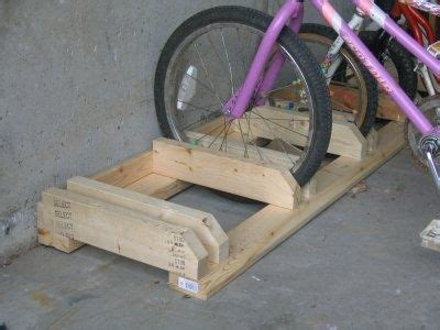 Garage Fahrrad Aufhängen by Fahrradst 228 Nder Diy Holz M 246 Bel In 2019