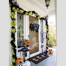 Cool Front Door Halloween Decoration Ideas
