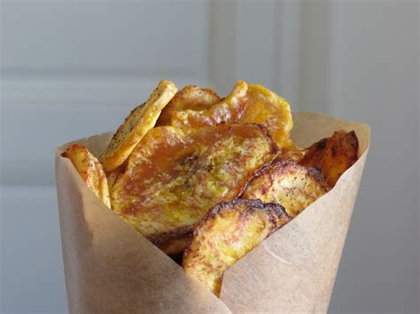 comment cuisiner des bananes plantain chips de banane plantain au four paléo une cuisine à part