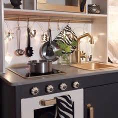 ikea duktig kinderküche gepimpte ikea keuken duktig duktig opslag opslag en paars