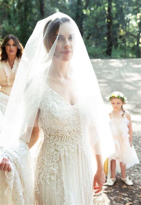 hilary swank wears elie saab couture bridal gown ewmoda