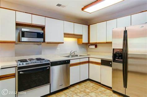 That 70's Kitchen: From Drab to Fab