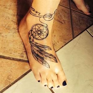 Tatouage Attrape Reve Homme : 1001 id es tatouage pied il marche discr tement ~ Melissatoandfro.com Idées de Décoration