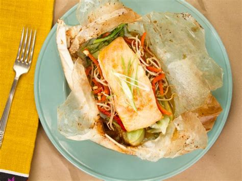 cuisine en papillote sesame salmon en papillote recipe kelsey nixon