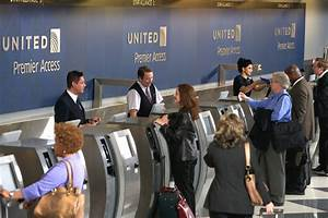 United Brings Self-Service Bag-Tagging to O'Hare Airport ...