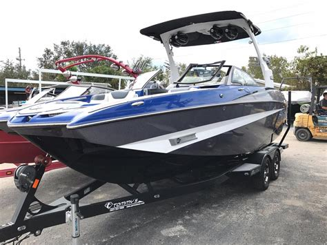 Used Wakeboard Boats For Sale Florida by 2016 Used Malibu M235 Ski And Wakeboard Boat For Sale