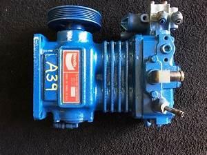 International Vt365  Stock  A39