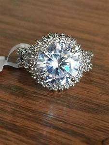 Placement of wedding and engagement rings engagement for Wedding ring and engagement ring placement
