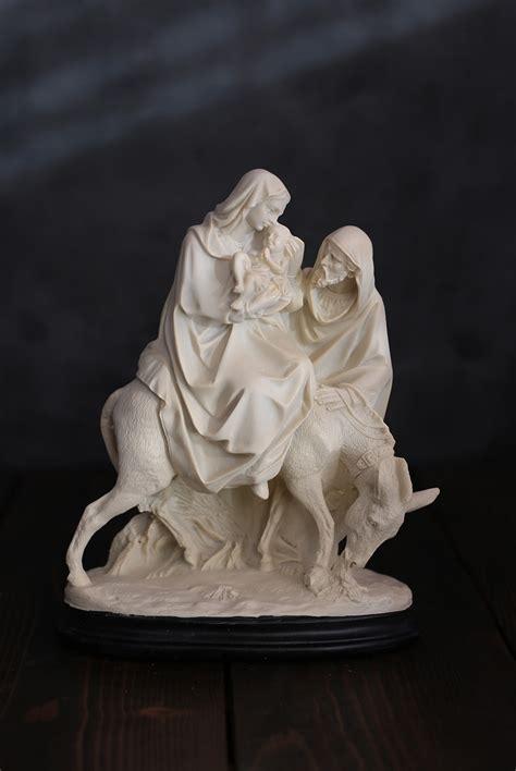 holy family nativity figurine  raz  weed patch