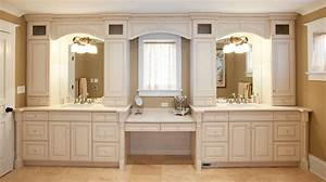 Armoire Salle De Bain : salle de bain comment choisir les bonnes armoires ~ Teatrodelosmanantiales.com Idées de Décoration