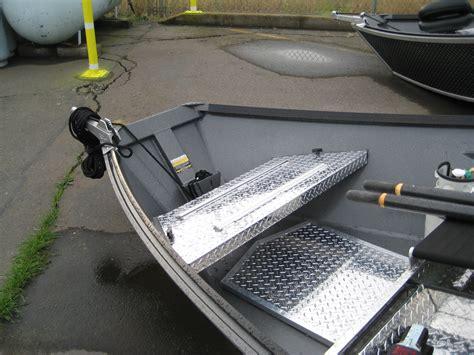Real Shade Boat Seat Umbrella With Bracket by Jon Boat Seat Mounts Custom Fabrication Fishon