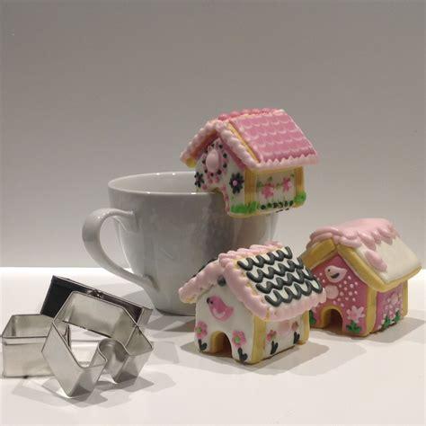 gingerbread house mini cookie teacup cutter set  bonus