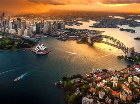 cool nightlife spots  visit  australia  radio sun