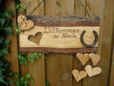 Türschild Familie Holz : basteln mit baumscheiben deko mit holz baumscheiben und ~ Lizthompson.info Haus und Dekorationen