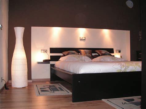 le lit photo 1 6 le lit est legerement encastr 233 dans le mur dans