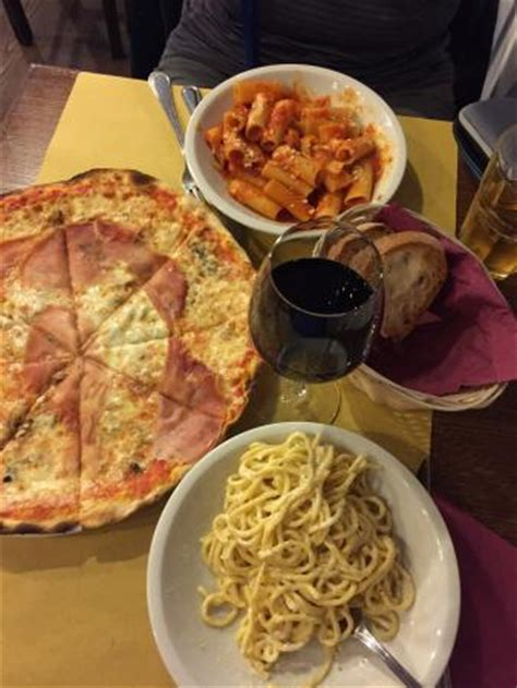 Amazing Pizza And Pasta! A Must When Visiting The Trevi