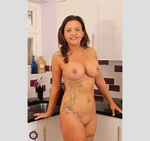 Bigtitted British Milf Sienna Hudson Strips Her Burgundy Lingerie To Pose All Naked In The Kitchen