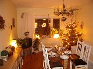 Weihnachtlich Dekorieren Wohnung : wohnzimmer deko weihnachten ~ Bigdaddyawards.com Haus und Dekorationen