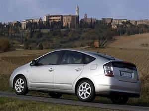 Toyota Prius Versions : toyota prius specs 2004 2005 2006 autoevolution ~ Medecine-chirurgie-esthetiques.com Avis de Voitures