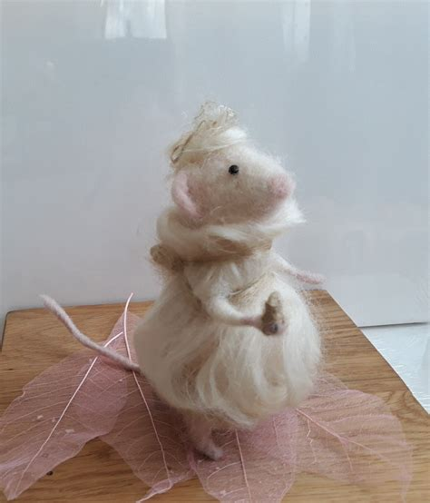 needle felting mouse wool mohair felt animals needle