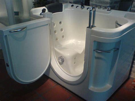 baignoire pour personne handicapee 28 images baignoire 224 porte 224 lutterbach alsace 68