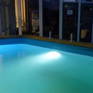 Eclairage Piscine Bois : eclairage led blanc pour piscine kit complet ubbink ~ Edinachiropracticcenter.com Idées de Décoration