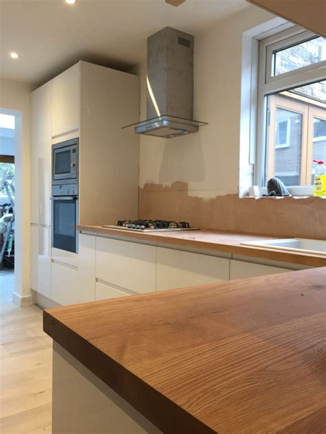 Kitchen Floor Units by Kitchen Progress Howdens White Gloss Handless Units With
